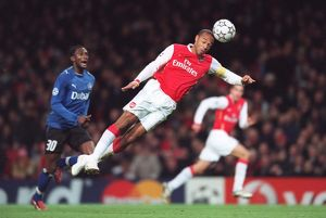 Thierry Henry (Arsenal) Collin Benjamin (Hamburg)