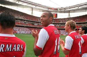 Thierry Henry (Arsenal) line up with the Legends