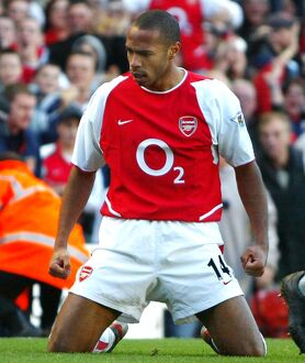 thierry henry breaks tottenham defence way