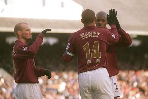 Thierry Henry celebrates scoring Arsenal's 1st goal with Abou Diaby