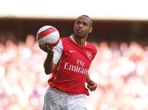 legends/ex players henry thierry/thierry henry celebrates scoring arsenals 1st