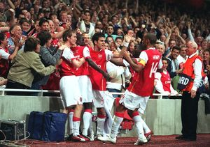 previous season matches/matches 2006 07 arsenal v fc porto/thierry henry celebrates scoring arsenals