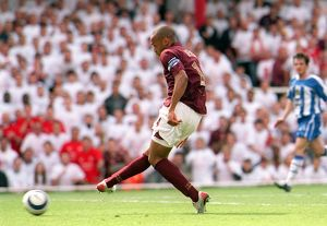 Thierry Henry scores Arsenal 2nd Goal his 1st. Arsenal 4:2 Wigan Athletic
