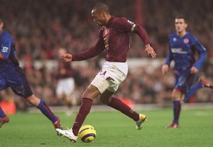 Thierry Henry scores Arsenal's 3rd goal his 2nd. Arsenal 7:0 Middlesbrough