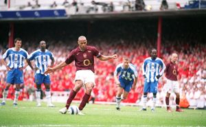 Thierry Henry scores Arsenal's 4th goal his 3rd from the penalty spot
