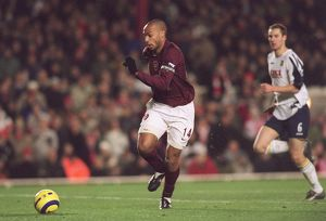 Thierry Henry on his way to scoring Arsenal's 3rd goal. Arsenal 4:0 Portsmouth