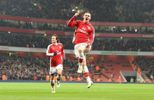 previous season matches/matches 2009 10 arsenal v bolton 2009 10/thomas vermaelen celebrates scoring 3rd arsenal