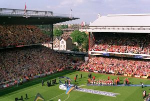 highbury stadium/trophy lift 1 040515afc
