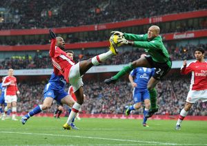 previous season matches/matches 2009 10 arsenal v everton 2009 10/william gallas arsenal tim howard everton