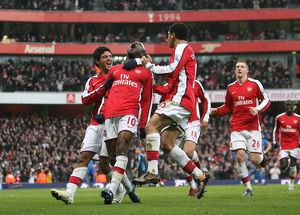 team/players coaches gallas william/william gallas celebrates scoring arsenal